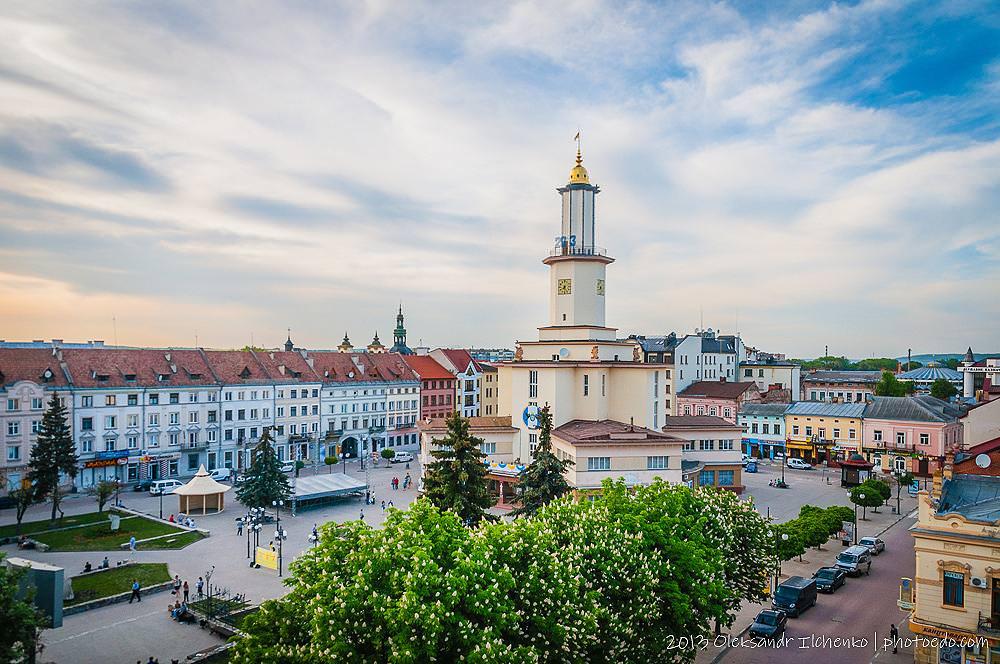 Чому варто завітати до Івано-Франківська у травні?